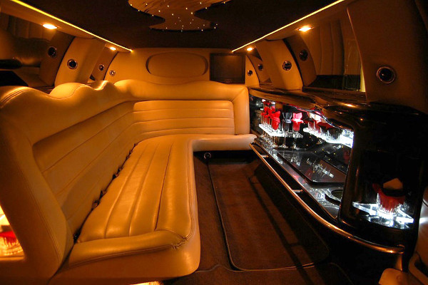 8 Person Lincoln Limo Service Chula Vista