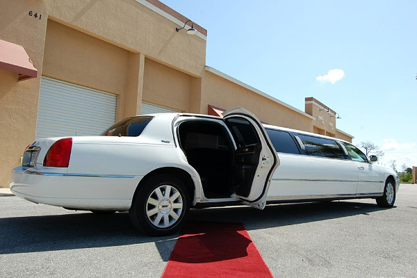 8 Person Lincoln Stretch Limo Chula Vista